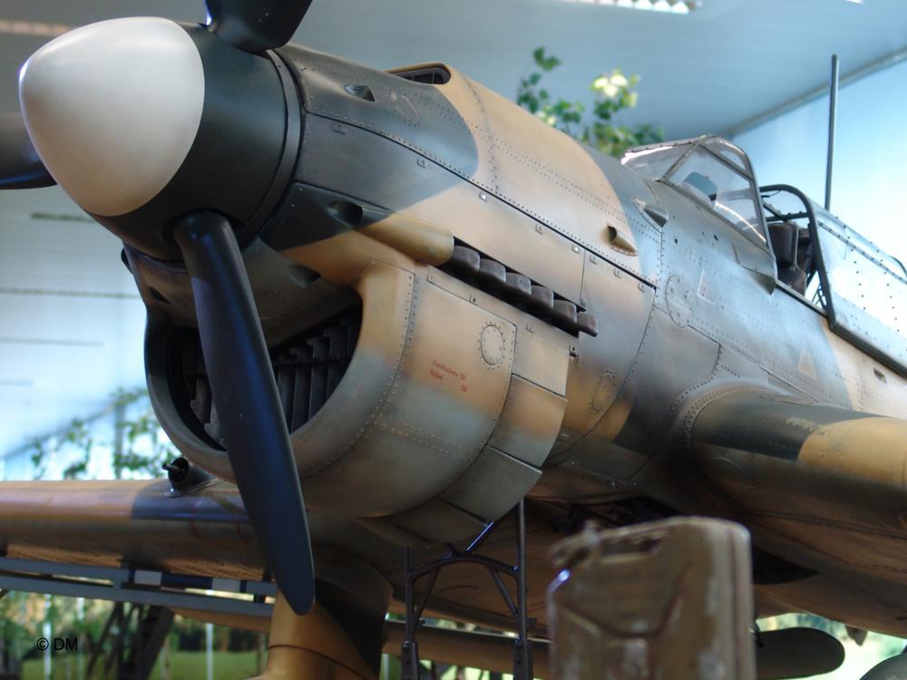 Modellflugzeug Lackierung