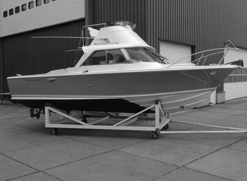 Modellbauboote- und Schiffe