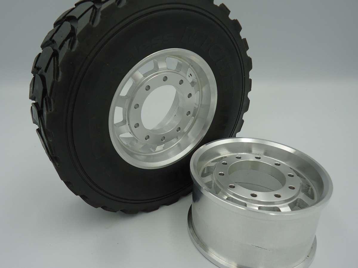 Fahrzeugmodellbau LKW Reifen